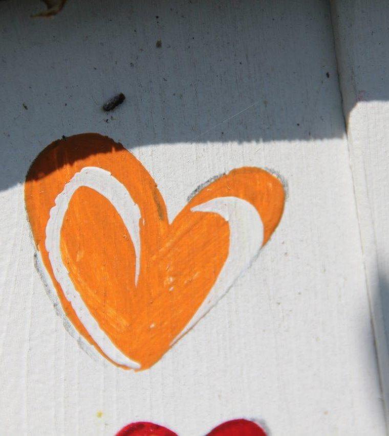 Hand aufs erkaltende Herz